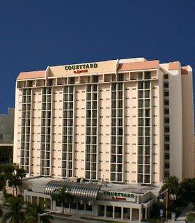 hotel courtyard miami downtown desde 214 miami. Black Bedroom Furniture Sets. Home Design Ideas