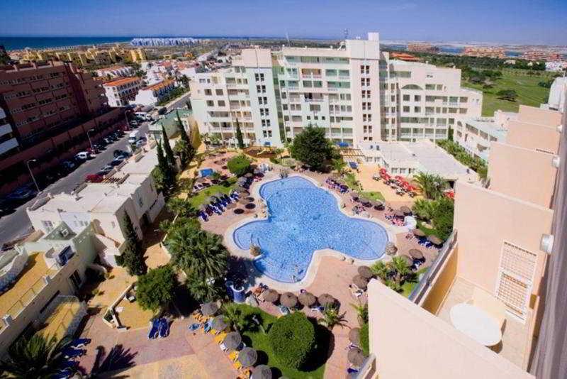 Hotel apartamentos fenix beach desde 59 roquetas de mar - Apartamentos almeria ...