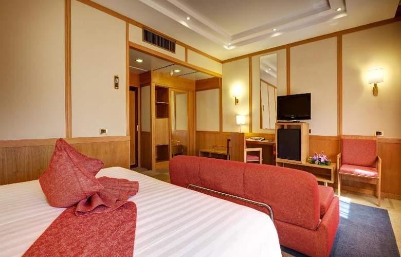 President - Room - 60