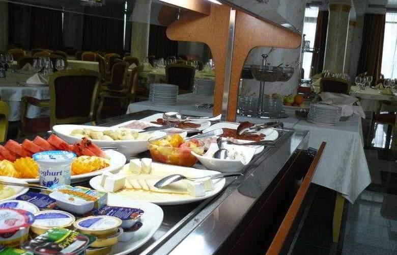 Actor - Restaurant - 7