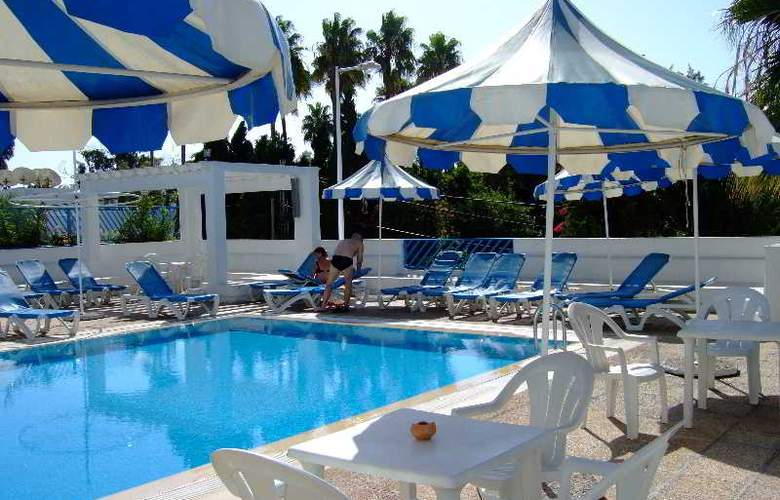 Residence La Paix - Pool - 33