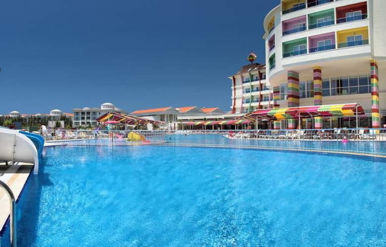 Ramada Resort Side - Pool - 3