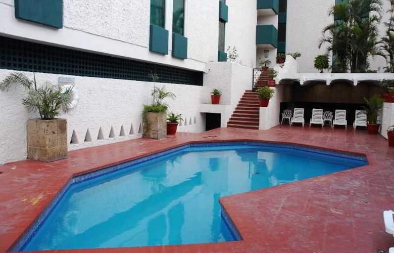 Aranzazu Eco - Pool - 17