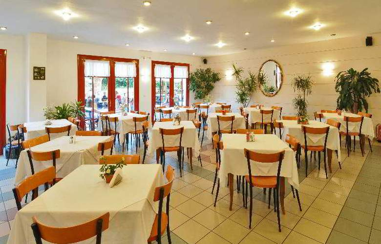 Paloma Garden and Corina Hotel - Restaurant - 11