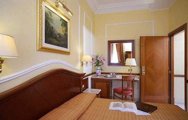 Hiberia Hotel - Room - 4