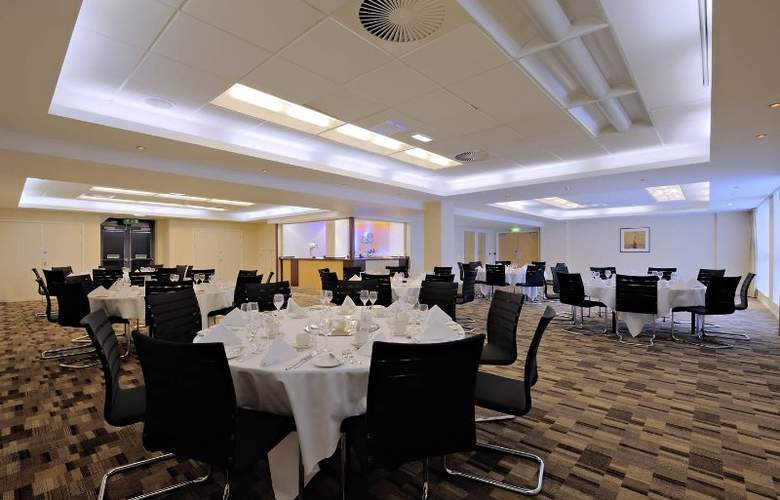 Radisson Blu Hotel Manchester Airport - Conference - 7