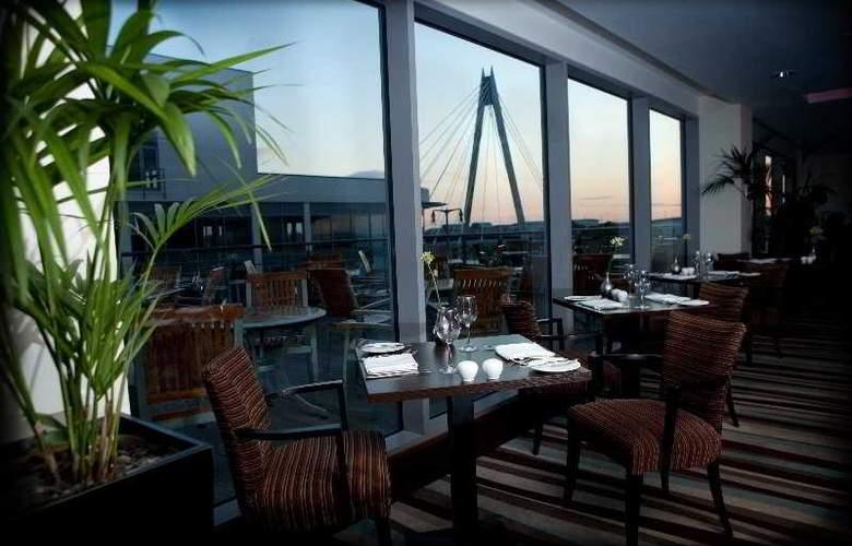 Ramada Plaza Southport - Restaurant - 1