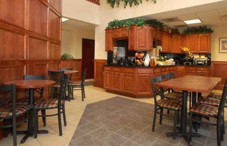 Comfort Suites Western Select Drive - General - 1