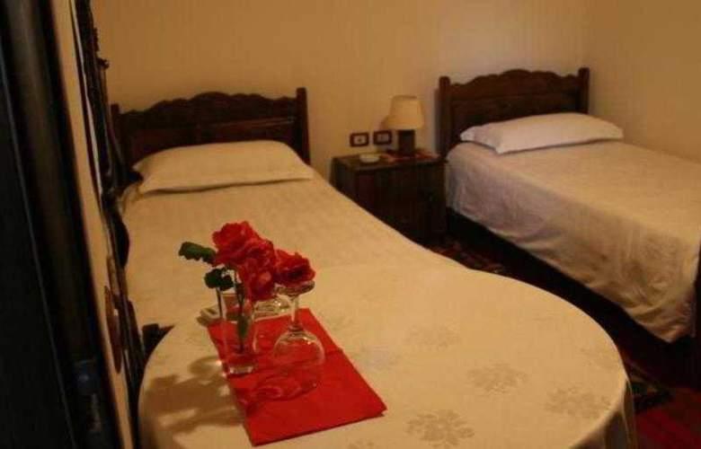 Castle Park - Room - 2