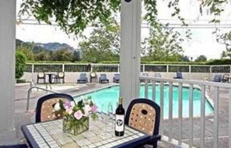 Lodge At Calistoga - Pool - 3