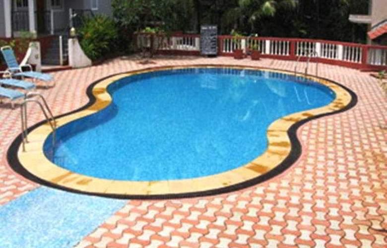 Clarks Exotica - Pool - 5