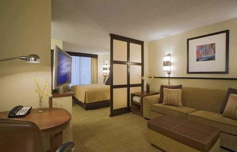 Hyatt Place Tampa/Busch Gardens - Room - 3