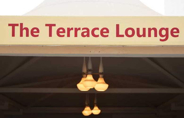 Hotel Le ROI - Terrace - 7