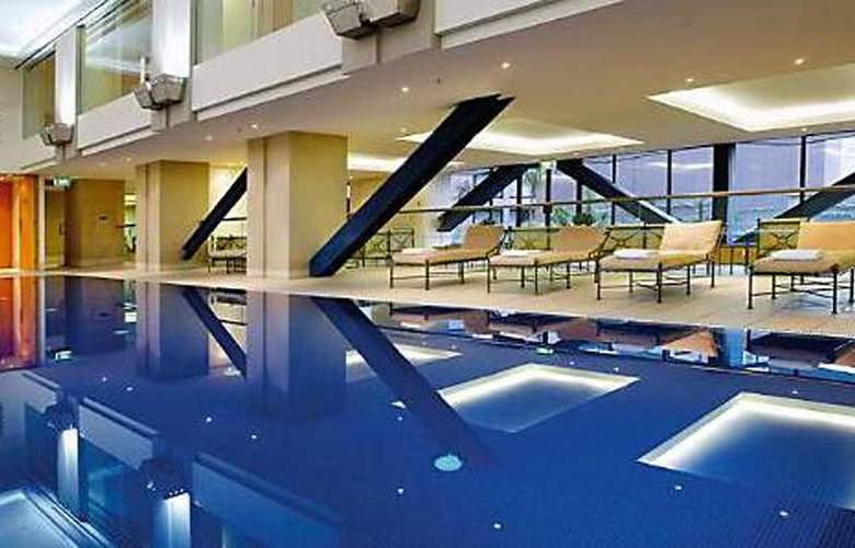 Grand Millennium Auckland - Pool - 3