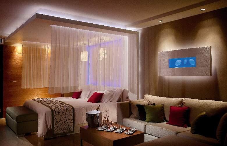 Amathus Elite Suites - Room - 11