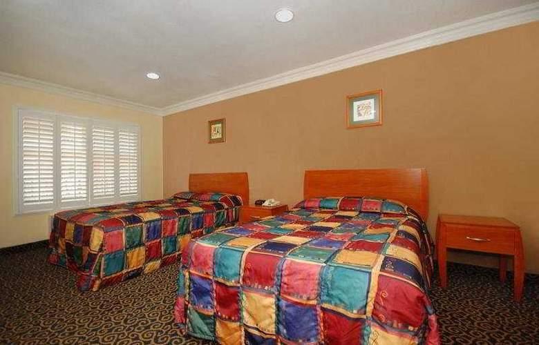 Anaheim Rodeway Inn & Suites - Room - 5