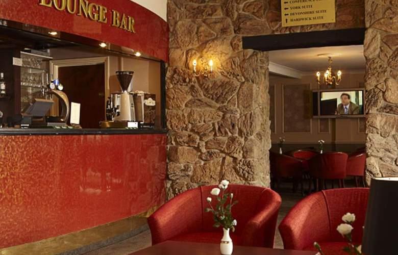 Smart Aston Court Hotel - Bar - 5