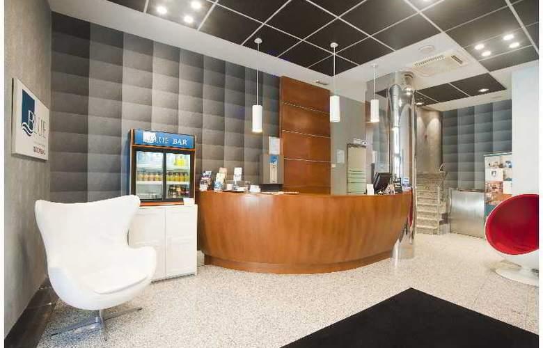 Blue Longoria Plaza - Hotel - 0
