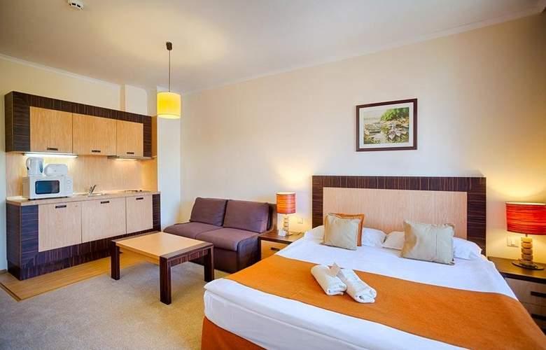 Majestic Beach Resort - Room - 11