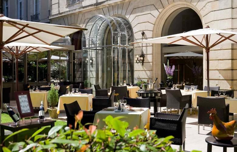 Grand Hotel La Cloche Dijon - MGallery by Sofitel - Terrace - 6