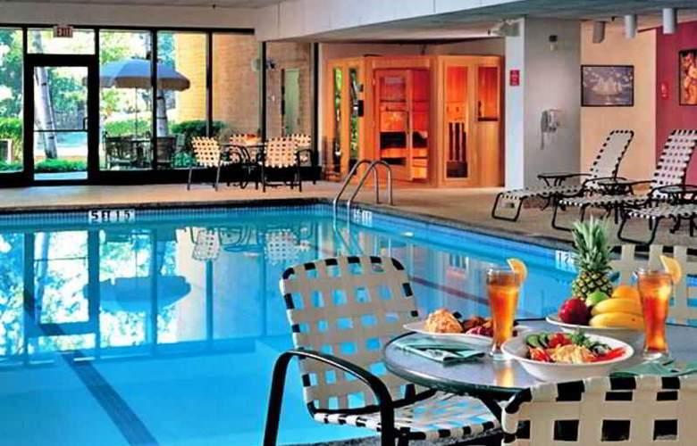 Boston Marriott Burlington - Pool - 3