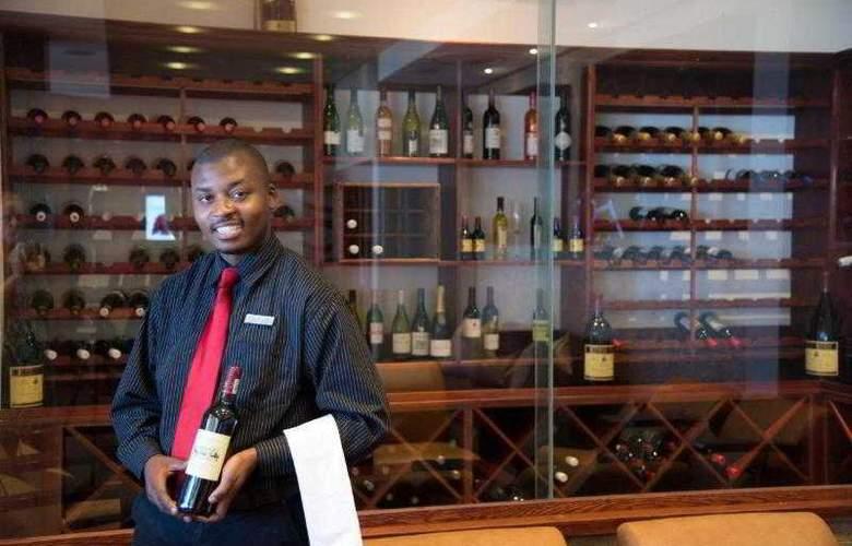 Premier Hotel ELICC - Bar - 26