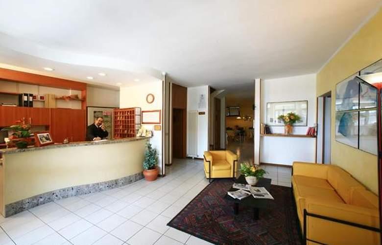 Anna Siena Nord - Hotel - 1