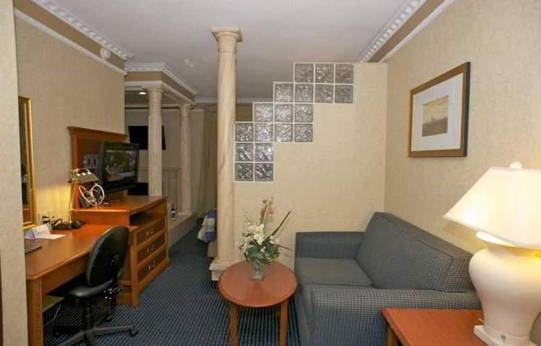 Monte Carlo Inn Toronto West Suites - Room - 4