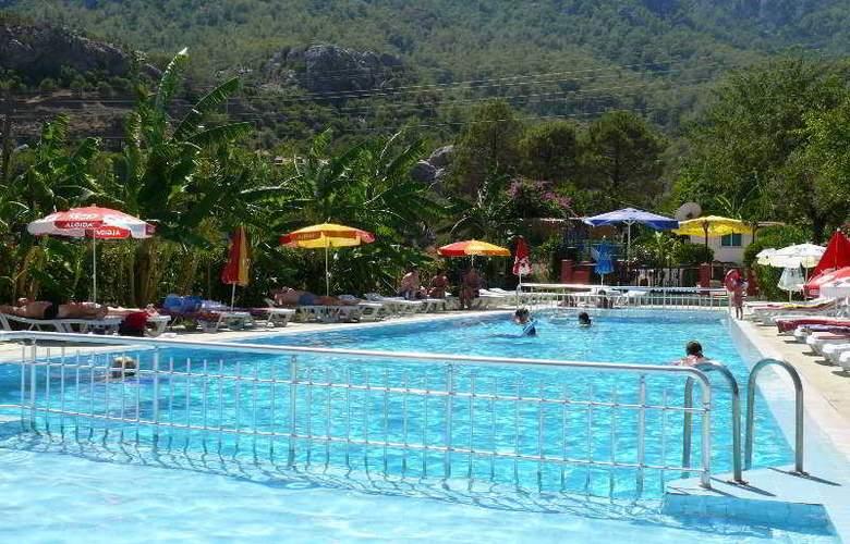 Verano - Pool - 4