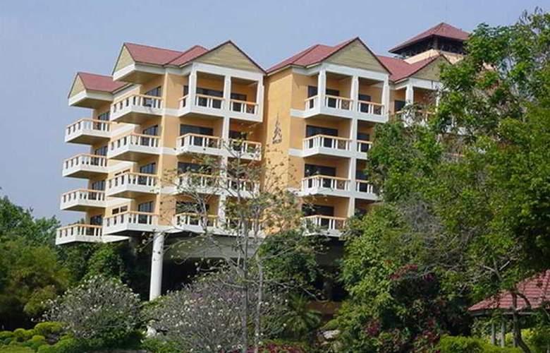 Pavilion Rim Kwai Resort Kanchanaburi - Hotel - 0