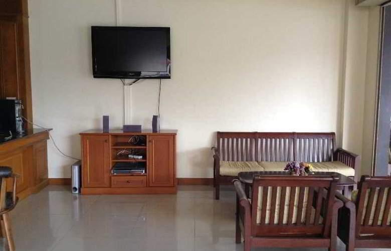 Pranang Flora House - Hotel - 7
