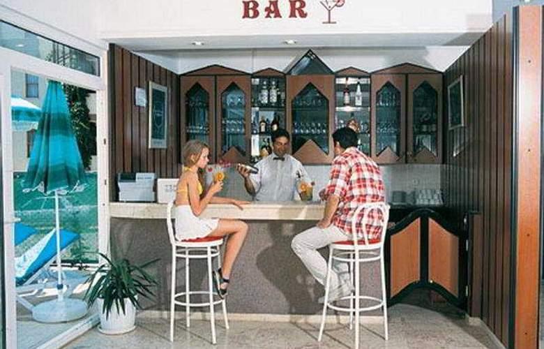 Cengiz Kaan Hotel - Bar - 8
