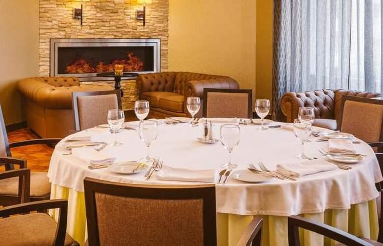 DoubleTree by Hilton Tyumen - Restaurant - 4