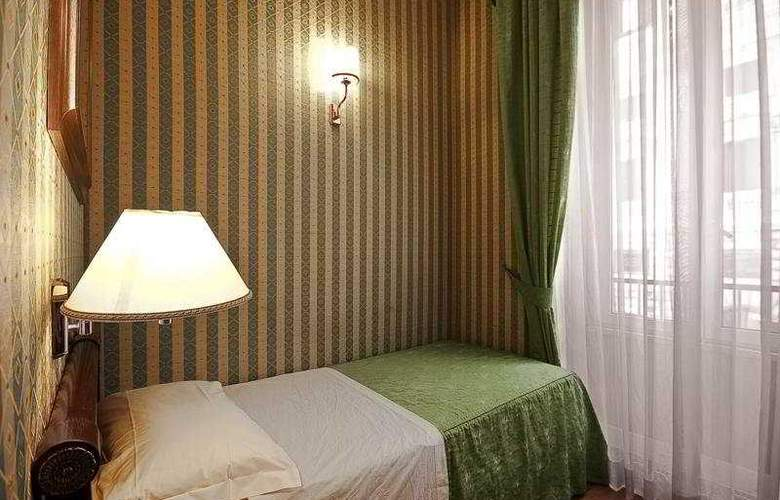 Gambrinus Hotel - Room - 12