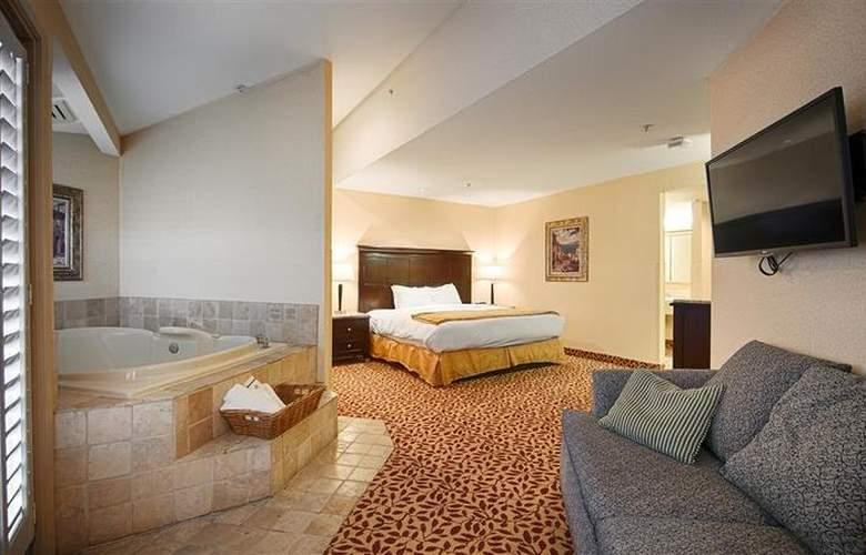 Best Western Plus Laguna Brisas Spa Hotel - Room - 38