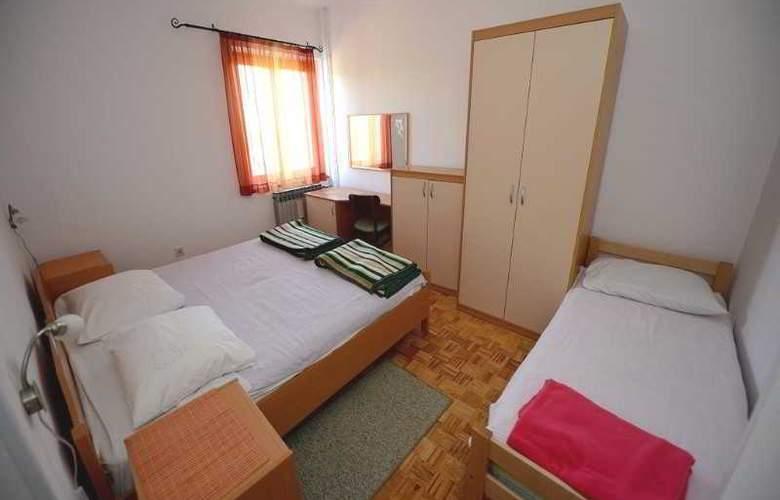 Andjelko - Room - 9