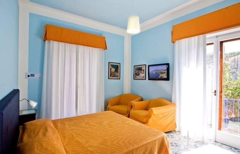 Hotel Mignon - Room - 3