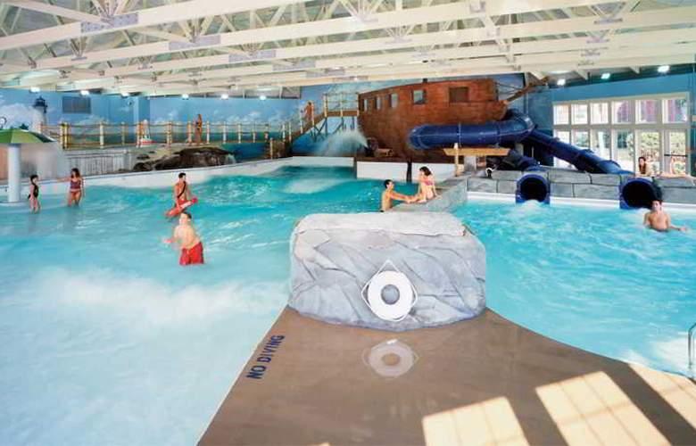 Cape Codder Resort & Spa - Pool - 7
