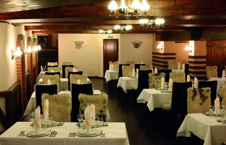 Central Plaza - Restaurant - 3