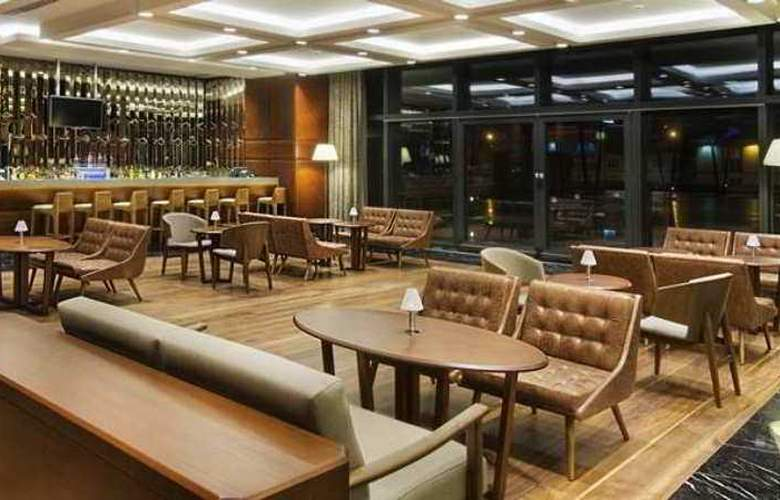 Doubletree by Hilton Istanbul Avcilar - Bar - 3