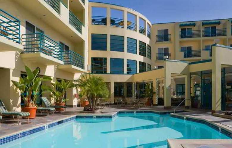 DoubleTree Suites by Hilton Hotel Doheny Beach - Hotel - 8