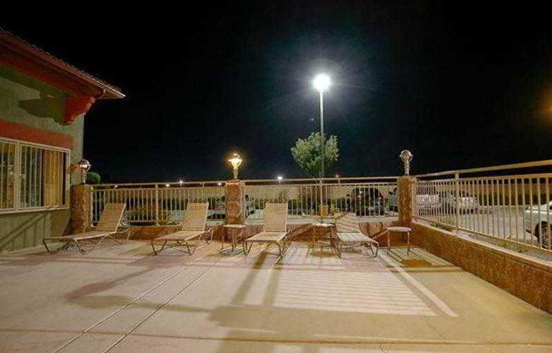 SpringHill Suites Victorville Hesperia - Hotel - 2