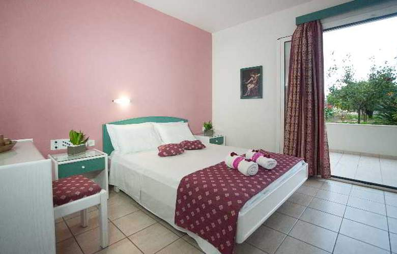 Theoni Apartments - Room - 6