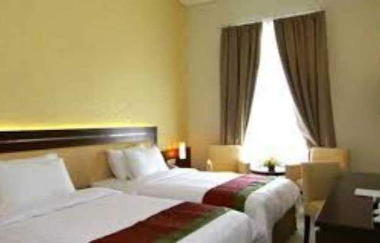 The Gambir Anom Hotel Solo - Room - 11