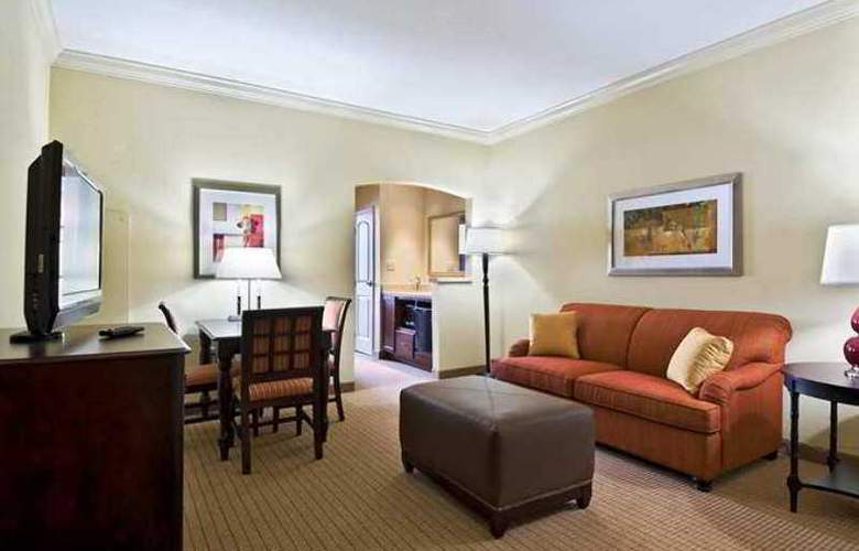 Embassy Suites Tampa Brandon - Hotel - 3
