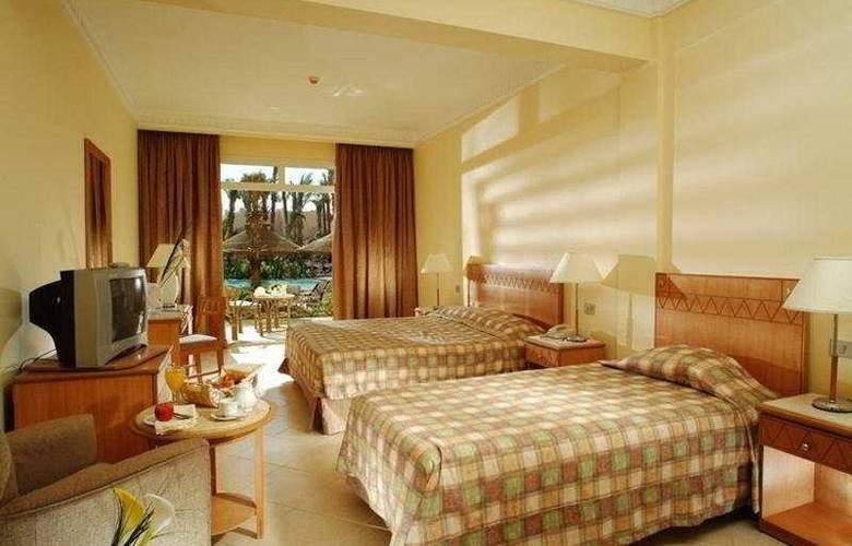 Sierra Hotel - Room - 4