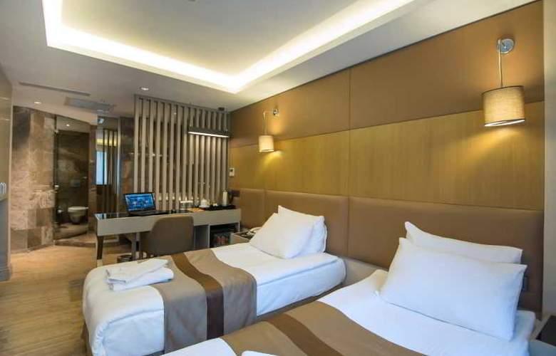 GK Regency Suites - Room - 13