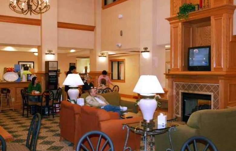 Hampton Inn & Suites Nacogdoches - Hotel - 4