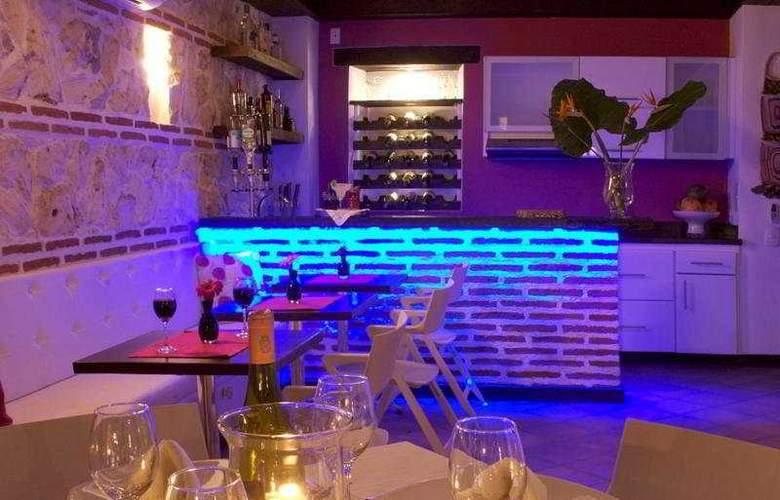 Casa Santa Ana - Restaurant - 6