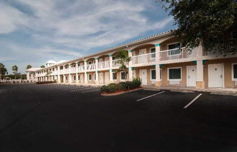 Quality Inn Maingate West - Hotel - 5
